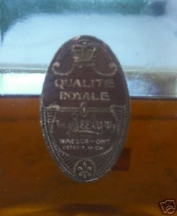 """Seely's """"Qualite Royale Tess"""" made by the Seely Mfg. Co"""